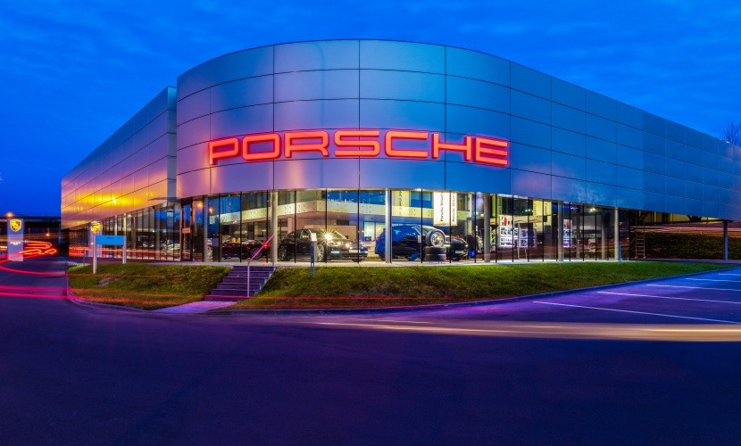 Porsche salonas, Vilnius